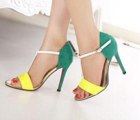 The new summer new female models in Europe and America T-type buckle comfortable stilettos