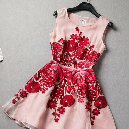 Summer new embroidered organza dress